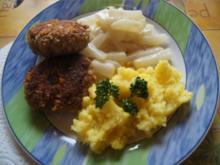 Maisfrikadellen mit Rahmkohlrabi und Kartoffelstampf - Rezept - Bild Nr. 2