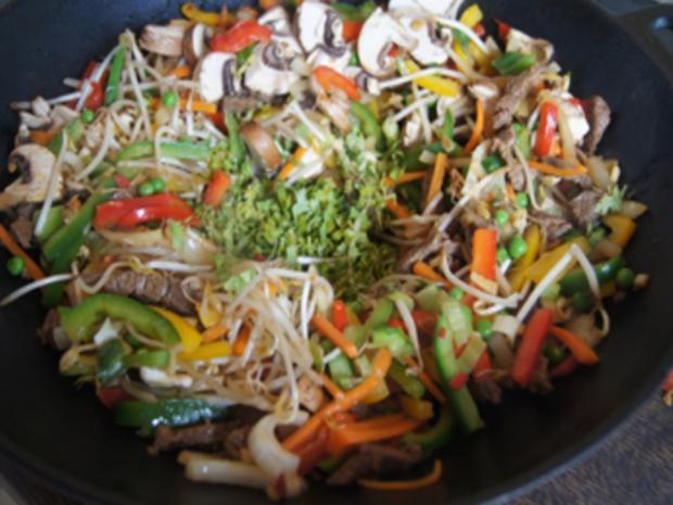 Rindfleischstreifen mit Gemüsemix und Mie-Nudeln - Rezept - Bild Nr. 20