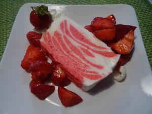 Erdbeer-Buttermilch-Mousse - Rezept - Bild Nr. 2