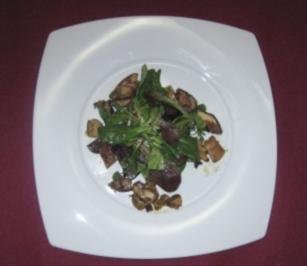Herbstliche Salatvariation mit Chorizo und Steinpilzen - Rezept