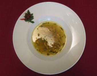 Anis-Fenchelsuppe mit Pinienkernen - Rezept