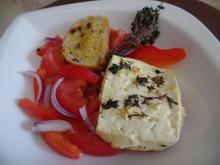 Gebackener Feta mit Tomaten-Paprika-Salat - Rezept - Bild Nr. 10668
