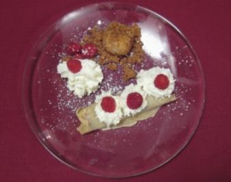 Palatschinken und Erdbeerknödel und Zuckerbrösli - Rezept