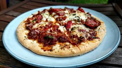 Einfache Bolognese - Pizza - Rezept - Bild Nr. 2