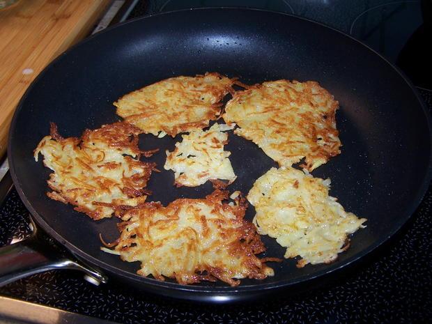 Kartoffelpuffer mit geräucherter Lachs mit Dip - Rezept - Bild Nr. 7