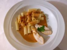 Hühnerbrüstchen a la James Bond mit Wermut-Thymian-Soße und Rigatoni - Rezept