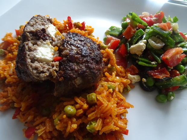 Djuvec Reis mit Bifteki - Rezept - Bild Nr. 2
