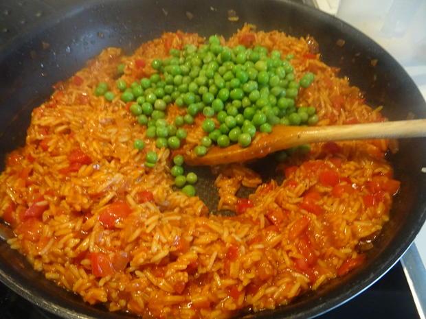 Djuvec Reis mit Bifteki - Rezept - Bild Nr. 6