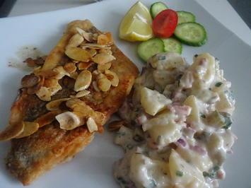 "Doraden-Filets ""Müllerinnen-Art"" mit Kartoffel-Speck-Salat - Rezept - Bild Nr. 2"