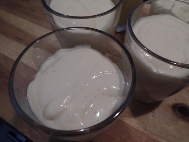 Bayrische Creme mit Heidelbeerkompott - Rezept - Bild Nr. 10880