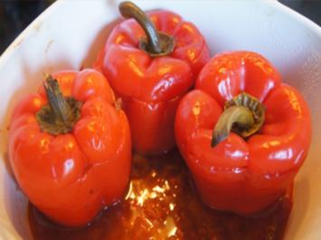 Gefüllte und gebackene rote Paprika - Rezept - Bild Nr. 2