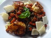 Sepia-Tagliatelle mit Tomaten-Ragout und Großgarnelen - Rezept - Bild Nr. 10904