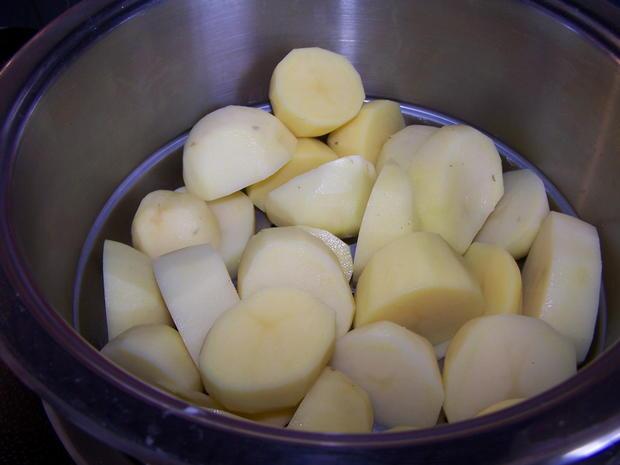 Rouladen-Rollbraten mit Kartoffelstampf +Gurkensalat - Rezept - Bild Nr. 10926