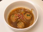 Klare Gemüsesuppe mit Julienne und Paniermehlklößchen - Rezept - Bild Nr. 2