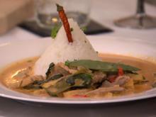 Rotes Thai Curry mit Schweinefilet zu Jasminreis - Rezept - Bild Nr. 2