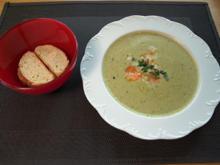 Erbsensuppe mit Garnelen, Brot und Kräuterbutter à la Claudia - Rezept - Bild Nr. 2