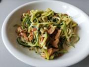 Zucchini-Nudeln mit Pfifferling-Sauce - Rezept - Bild Nr. 2