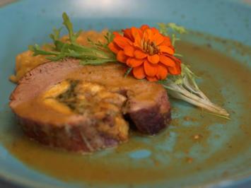Braisierte Kalbsbrust gefüllt mit Frittata und Stielmus, dazu Safranrisotto - Rezept - Bild Nr. 2