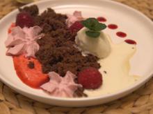 Brownie-Crumble mit Tonkabohnen Eis und Himbeer-Espuma - Rezept - Bild Nr. 2
