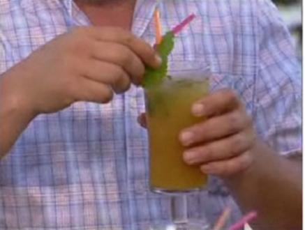 Cocktail mit Pfefferminztee - Rezept