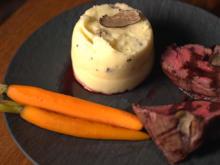 Rinderfilet mit getrüffeltem Kartoffelpüree und Honigmöhrchen - Rezept - Bild Nr. 3