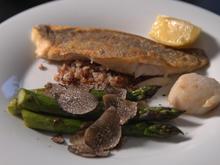 Doradenfilet mit frischen Trüffeln und Spargel-Gemüse - Rezept - Bild Nr. 2