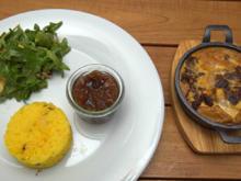 Bobotie mit Pfirsich Chutney, Cashew-Reis und Salat - Rezept - Bild Nr. 2