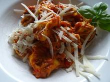 Tortellini mit Tomaten-Frischkäse-Soße - Rezept - Bild Nr. 2