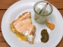 Lemon-Pie mit Baiserhaube, Zitronen-Basilikum-Granita und Honeycomb - Rezept - Bild Nr. 2