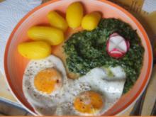 Würziger Rahmspinat mit Kartoffeln und Spiegeleiern - Rezept - Bild Nr. 2