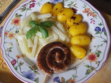 Fränkische Bratwurstschnecke mit Rahmkohlrabi und Drillingen - Rezept - Bild Nr. 3