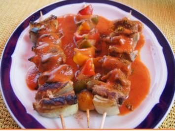 Schweinefiletspieße und Paprikaspieße mit pikanter Sauce - Rezept - Bild Nr. 2