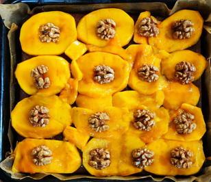 Walnusskuchen mit Schokoboden und Mangobelag - Rezept - Bild Nr. 2