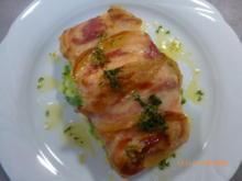 Lachsschnitte mit Pancetta und Kartoffel-Erbsen-Stampf - Rezept - Bild Nr. 2
