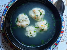 Klare Suppe mit Garnelenbällchen --  Bakso udang Sanur Beach - Rezept - Bild Nr. 2