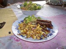 Nürnberger Bratwürschtl mit Bratkartoffel und Salat - Rezept - Bild Nr. 11378
