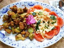 Frittierte Brokkoli mit Bandnudeln und Tomaten - Rezept - Bild Nr. 2