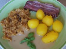 Raucherfleisch mit Sauce, Sauerkraut und Drillingen - Rezept - Bild Nr. 2