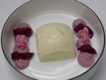 Kaltes Mädesüß in rotem Weinberg - Rezept - Bild Nr. 2