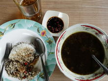 Dunkle Rindfleischsuppe mit Reis und Sambal – Gulai sapi - Rezept - Bild Nr. 2