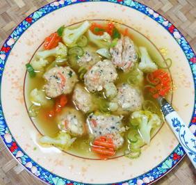 Suppe mit Garnelenbällchen und Gemüseeinlage à la Legian - Rezept - Bild Nr. 2