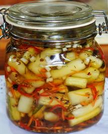 Thailändische, süß-sauer-scharfe Gurkenstücke - Rezept - Bild Nr. 2