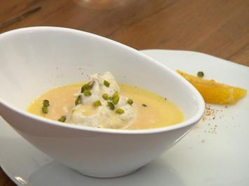 Butterscotch Pots de Crème mit Crème fraîche, gesalzenem Karamell und Pistazien - Rezept - Bild Nr. 2