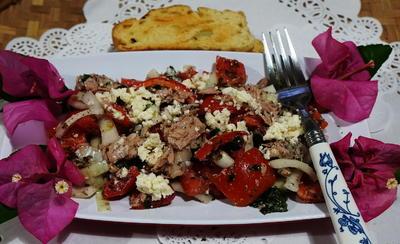Kretischer Tomatensalat mit Thunfisch - Rezept - Bild Nr. 2