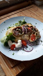 Gefüllte Omeletten für Lukas mit Marmelade , für mich mit  Gemüse - Rezept - Bild Nr. 2