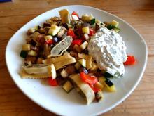 Maultaschen-Gemüsepfanne mit Kräuterdip - Rezept - Bild Nr. 2