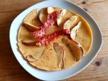 Apfelpfannkuchen mit Speck - Rezept - Bild Nr. 2