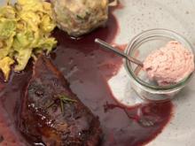 Reh im Speckmantel an Preiselbeer-Eis mit Portweinjus - Rezept - Bild Nr. 3