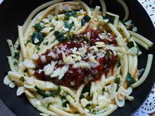 Makkaronipfanne mit Sauce Bolognese – Maccheroni alla bolognese - Rezept - Bild Nr. 2