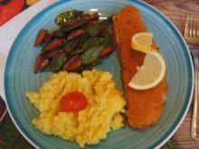 Paniertes Alaska Seelachsfilet mit Gemüse aus dem Wok und Sellerie-Kartoffel-Stampf - Rezept - Bild Nr. 2